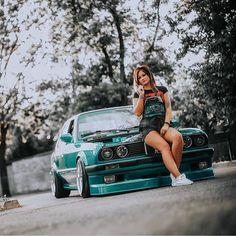 Bmw Girl, Bmw E30 M3, Car Girls, Nfl Football, Hot Cars, Jdm, Glamour, Sexy, Woman