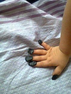 Делаю ногти,Вика, 3года