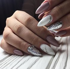 Looking for easy nail art ideas for short nails? Look no further here are are quick and easy nail art ideas for short nails. Cute Acrylic Nails, Pastel Nails, Pink Nails, Cute Nails, Pretty Nails, Staleto Nails, Bridal Nail Art, Coffin Nails Long, Instagram Nails