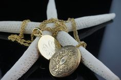 Vintage   Necklace necklaces chain  twisted wheat design gold tone Brass Locket Floral Round photo pendant circle gold  set of 2 chains p080 by VintageEstate86 on Etsy