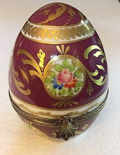 LIMOGES-SIGNED-LARGE-EGG-BOX-4-5-8-034-High-PEINT-MAIN-Hand-painted-w-Shell-Clasp