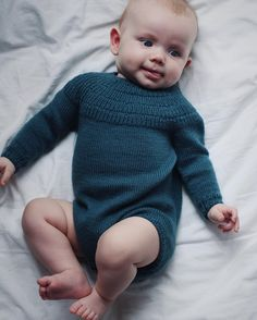 Ravelry: Anker's Suit pattern by PetiteKnit Knitting For Kids, Baby Knitting Patterns, Knitting Projects, Baby Barn, Suit Pattern, Diy Scarf, Stockinette, Raglan, Baby Sweaters