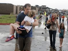 Large parts of the town of Moore, Oklahoma, have been almost wiped off the map by a giant tornado wide. View images from the deadly tornado here. Oklahoma Tornado, Oklahoma City, Star Wars, Tornadoes, Severe Weather, School Photos, Alter, Elementary Schools, Teacher