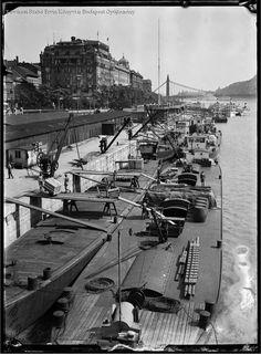 Budapest 1934 Kinszki Imre Budapest, New York Skyline, War, Black And White, Photography, Travel, Photograph, Viajes, Black N White