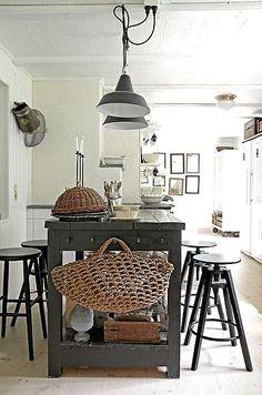 , FleaingFrance Brocante Society Gorgeous kitchen...