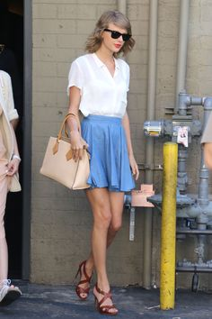Taylor Swift and Jaime King (not pictured) leave Sugarfish Sushi on July 28, 2015, in Beverly Hills, California.   - Cosmopolitan.com