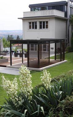 krytá moderní pergola na terase / modern covered pergola at the terrace