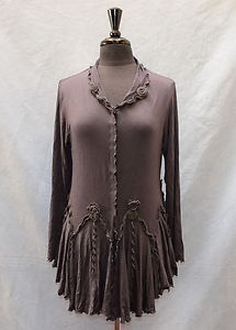 Gorgeous Giselle Shepatin jacket. The pleats are continuous all the way around the garment.