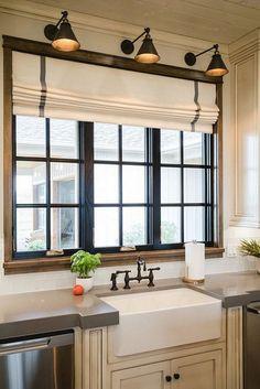 Beautiful Farmhouse Kitchen Decor Ideas - Home Design Ideas Kitchen Decorating, Kitchen Sink Decor, Small Kitchen Sink, Kitchen Sink Design, New Kitchen, Kitchen Ideas, Awesome Kitchen, Kitchen Modern, Kitchen Paint