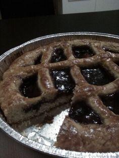 Crostata+morbida+ripiena+di+confettura+ai+frutti+di+bosco+home-made
