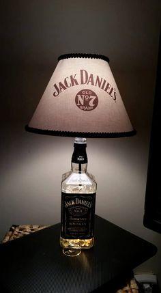 upcycling ideen jack daniels lampe bauen und basteln. Black Bedroom Furniture Sets. Home Design Ideas