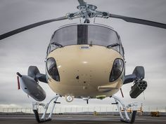 A real fake armed H125 ... The unit is not yet equipped with avionics including its optronic turret. Helicopters Airbus's ambition is to provide combat capability Day / Night cannon to a widespread and inexpensive device. © Eric Raz / Airbus Helicopters