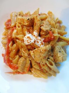 Creamy One Pot Cajun Chicken Pasta - Syn Free - Slimming World - Recipe - Healthy - Low Fat - Cajun Spice - One Pot Pasta Cajun Chicken Pasta Slimming World, Slimming World Chicken Recipes, Slimming World Recipes Syn Free, Chicken Pasta Recipes, Chicken Salad, Healthy Lunch For School, Healthy Meals For Two, Healthy Eating, Healthy Recipes