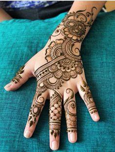 Henna by @hennabydivya on Instagram