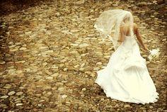 Creative wedding photo by top Florida wedding photographer Ron B Wilson Photography | via junebugweddings.com