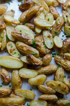 Vegan Crispy Salt & Vinegar Potatoes Recipe. This EASY, healthy vegetarian side dish is inspired by your favorite snack! You'll need fingerling potatoes, vinegar, olive oil, salt, and chives. SIMPLE side dishes ideas for weeknight meals or a fancy dinner!