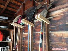 Хранение садового инвентаря и инструментов.