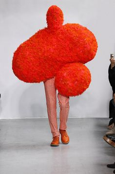 A design by Walter Van Beirendonck. Monsters of Fashion Exhibition to Open in Paris. Weird Fashion, Fashion Art, Fashion News, Fashion Show, Knit Fashion, Urban Fashion, Boy Fashion, Walter Van Beirendonck, Mode Costume