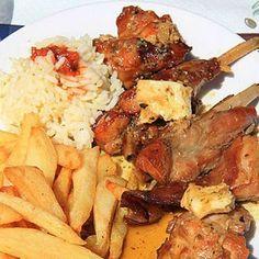 Κουνέλι τηγανητό Greek Recipes, Meat Recipes, Eat Greek, Greek Beauty, Good Food, Yummy Food, Food And Drink, Meals, Snacks