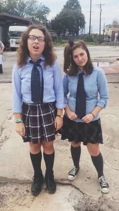 Mia Thermopolis and Lilly Moskovitz costume. #PrincessDiaries