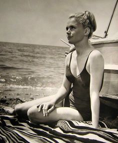 Lee Remick Lee Remick, Dramatic Classic, Lee Ann, Body Shots, Bathing Beauties, Man In Love, Hollywood Actresses, Movie Stars, Bathing Suits