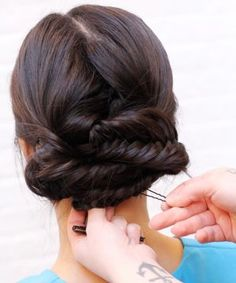 3 DIY Hairstyles Made For Your 9-to-5