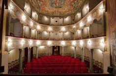 Raro esempio di teatro del '700 in legno  httpv://youtu.be/OOv9UOEn6Hg  servizio di Fernando Pallocchini fotografia e montaggio di Cinzia Zanconi