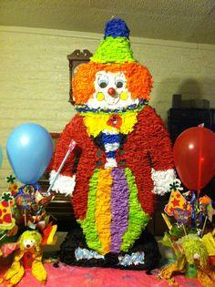 """Piñata payasito happy"""" y centros de mesa"""