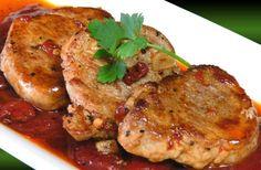 Solomillo de cerdo con tomate y mozzarella ¡Delicioso! Light Cheesecake, Tandoori Chicken, Tapas, Sushi, Bbq, Food And Drink, Favorite Recipes, Cooking, Ethnic Recipes