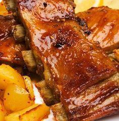 Esta receta de costillar asado al estilo tex-mex tiene muchas interpretaciones. Puedes añadir a la salsa hierbas aromáticas a tu gusto, romero, tomillo... y un chorrito de vino blanco seco o vinagre de vino. Steak Recipes, Cooking Recipes, Healthy Recipes, Comida Tex Mex, Food For The Gods, Meat Steak, Lechon, Pig Roast, Side Dishes