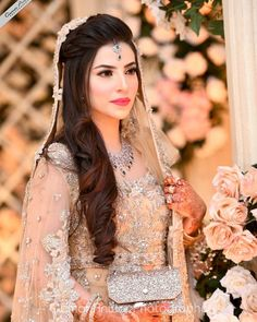 Pakistani Engagement Hairstyles, Pakistani Engagement Dresses, Asian Wedding Dress Pakistani, Asian Bridal Dresses, Bridal Mehndi Dresses, Bridal Dress Design, Wedding Dresses For Girls, Country Wedding Dresses, Bridal Outfits