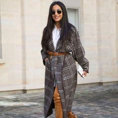 35 winter outfit ideas we love: belt any coat you own with a regular leather belt for instant style. Click for more ideas!
