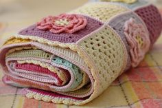 Spring Flower Blanket border by Serendipity Patch. Pattern halfway down the post.