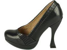 Älskar skor, älskar formen på klacken!