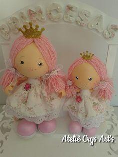 Bonecas em EVA que foram aplicadas nessa linda placa de porta feita pelo Ateliê Tric Tric.   Feitas com muito carinho para duas irmãzin...