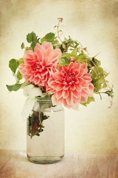 #Vintage #Bunch of #Flowers by @kreativgrund #blossoms #brown #bunch  #garden #gift #giving #glass #green  #old #past #petal #petals #pink #red #still life #vase #vintage #dahlia #beautiful #beauty #blossom #color #flower #summer