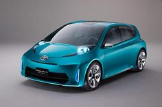 Toyota Prius C (2015), I have to admit that this style of Prius is growing on me!