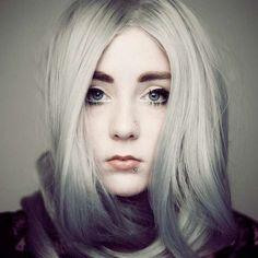 Colore capelli grigi - Capelli argento grigio