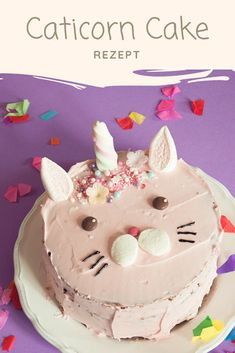 Caticorn Cake - The magic cat conquers all hearts-Caticorn Kuchen – Die magische Katze erobert alle Herzen This magical Caticorn cake is the absolute eye-catcher on every girl's birthday party. The magical cat competes with the unicorn trend. Raspberry Smoothie, Apple Smoothies, Donut Decorations, Magdalena, Salty Cake, Girl Cakes, Savoury Cake, Clean Eating Snacks, Cake Decorating