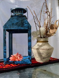 Tus Manos y las Mias: FINDE FRUGAL Farol azul. Farol recycling. Hand painted. Color blue.