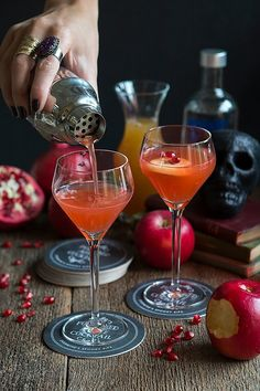 Poisoned Apple Cocktail   Evermine Occasions   www.evermine.com_0002