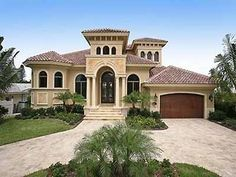 Spanish Style Home Design in Florida Spanish Style Homes, Spanish House, Florida Style, Florida Home, Style At Home, Exterior House Colors, Exterior Design, Ranch Home Designs, Mediterranean House Plans