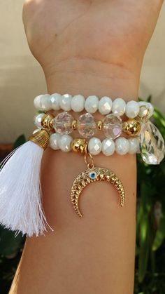 Gemstone Bracelets, Handmade Bracelets, Bangle Bracelets, Handmade Jewelry, Beaded Jewelry Patterns, Fabric Jewelry, Girls Necklaces, Bracelet Designs, Bracelet Making