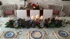 #merrychristmas #natale #vigiliadinatale #tavoleapparecchiate #piatti #tavoleimbandite Christmas Tablescapes, Table Decorations, Furniture, Home Decor, Christmas Wreaths, Christmas Tables, Decoration Home, Room Decor, Home Furnishings