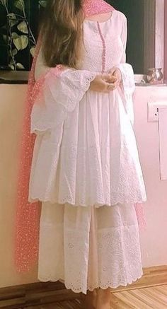 Pakistani Fashion Party Wear, Indian Fashion Dresses, Dress Indian Style, Indian Designer Outfits, Muslim Fashion, Beautiful Pakistani Dresses, Pakistani Dresses Casual, Pakistani Dress Design, Beautiful Dresses