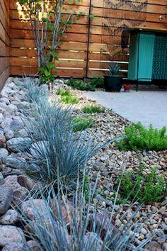 Beautiful Low Maintenance Front Yard Landscaping Ideas (58)