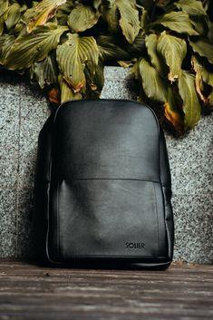 Gents Club. GHIOZDAN BARBATI NEGRU MINIMALIST MODERN SOLIER FORRES Modern Minimalist, Leather Backpack, Fashion Backpack, Laptop, Backpacks, Club, Bags, Handbags, Leather Backpacks