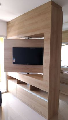 Ambientes Planejados - Rack com painel giratório Tv Cabinet Design, Tv Wall Design, House Design, Master Bedroom Interior, Bedroom Bed Design, Tv Stand Room Divider, Tv Unit Furniture, Living Room Tv Unit Designs, Room Partition Designs