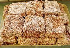 Cuburi tavalite in nuca de cocos | Krispie Treats, Rice Krispies, Coco, Banana Bread, Cooking, Desserts, Cakes, Drink, Baking Center