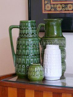 I love this striking mexican pottery Mid Century Modern Furniture, Midcentury Modern, Feng Shui, Vintage Designs, Retro Vintage, Sculptures Céramiques, Keramik Vase, Modern Ceramics, Mid Century House